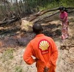 Shell's systemic failure to address oil spills for many years is addressed in the report  © Kadir van Lohuizen/NOOR