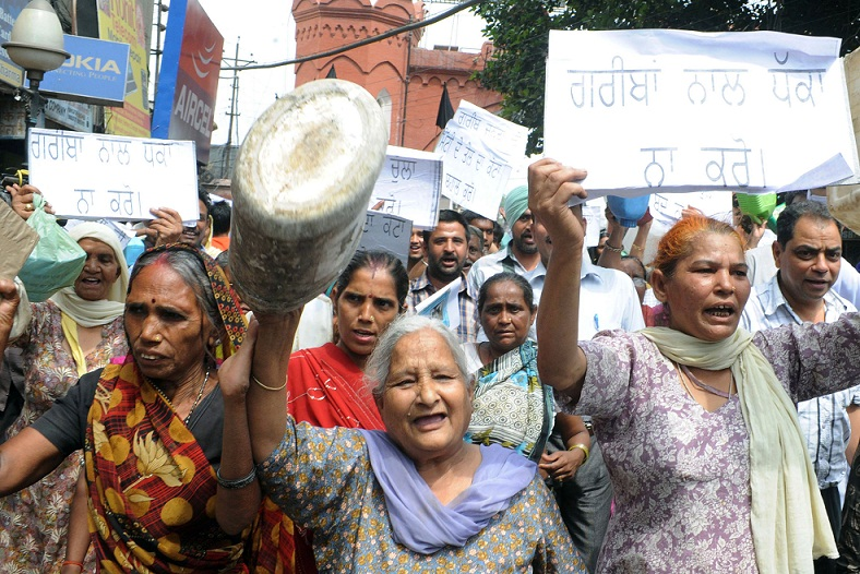 demonstrators in india