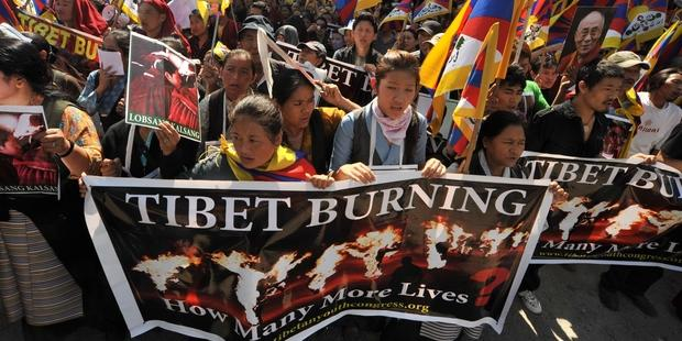 Tibetan activists protest after self-immolations increase