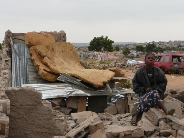Angola housing eviction
