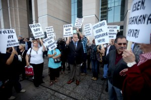 Supporters of Fazil Say, a world-renowned Turkish pianist who went before an Istanbul court on charges of insulting Islam and offending Muslims in comments he made on Twitter (Photo Credit: STR/AFP/Getty Images).