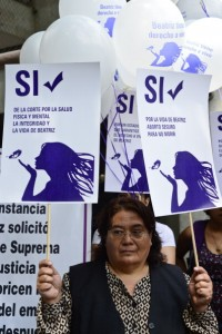 Members of Amnesty International protest in front of the El Salvador embassy in Mexico City, on May 29, 2013 (Photo Credit: Ronaldo Schemidt/AFP/Getty Images).