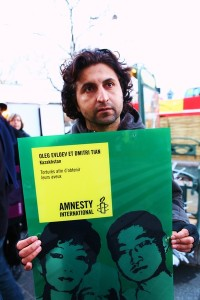 Halil Savda at a Write for Rights event in France on Human Rights Day, December 10, 2011 (Photo Credit: Michael Sawyer for Amnesty International).