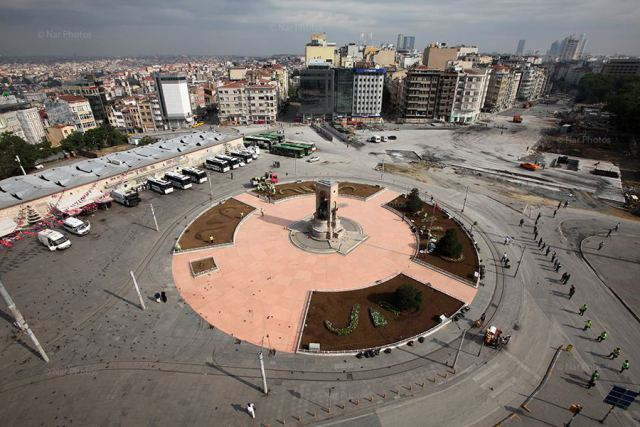 Taksim Square under police control today (Photo Courtesty: Ahmet Şık/ NarPhotos).