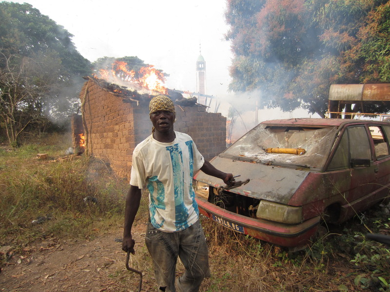 The burning and looting of Muslim property and a mosque in PK 26 area, north of the capital of Bangui (Photo Credit: Amnesty International).