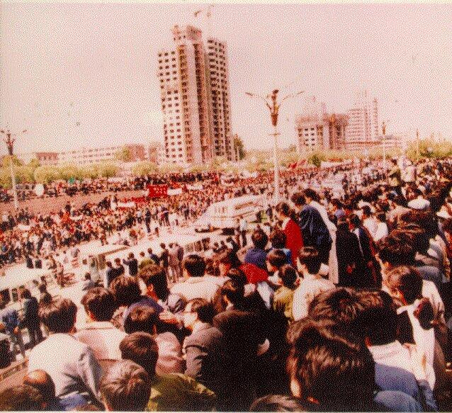 On April 27, 1989, 200,000 students marched from Peking University to Tiananmen Square (Photo Credit: PBS News).