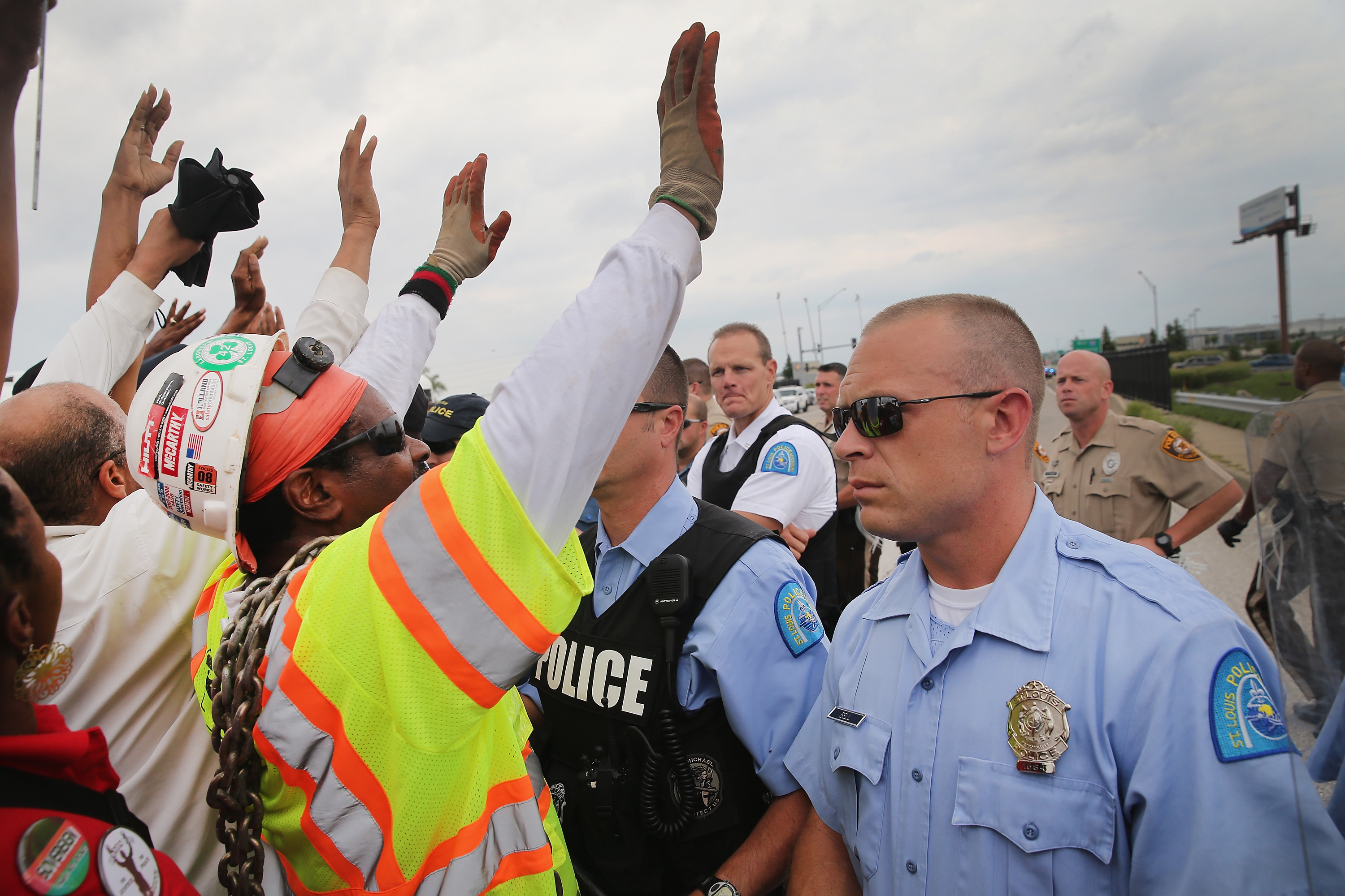 Police block demonstrators from gaining access to Interstate Highway 70 on September 10, 2014 near Ferguson, Missouri. (Photo by Scott Olson/Getty Images)