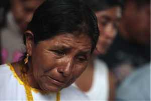 Family member of one of the disappeared students / JORGE DAN LOPEZ (REUTERS)