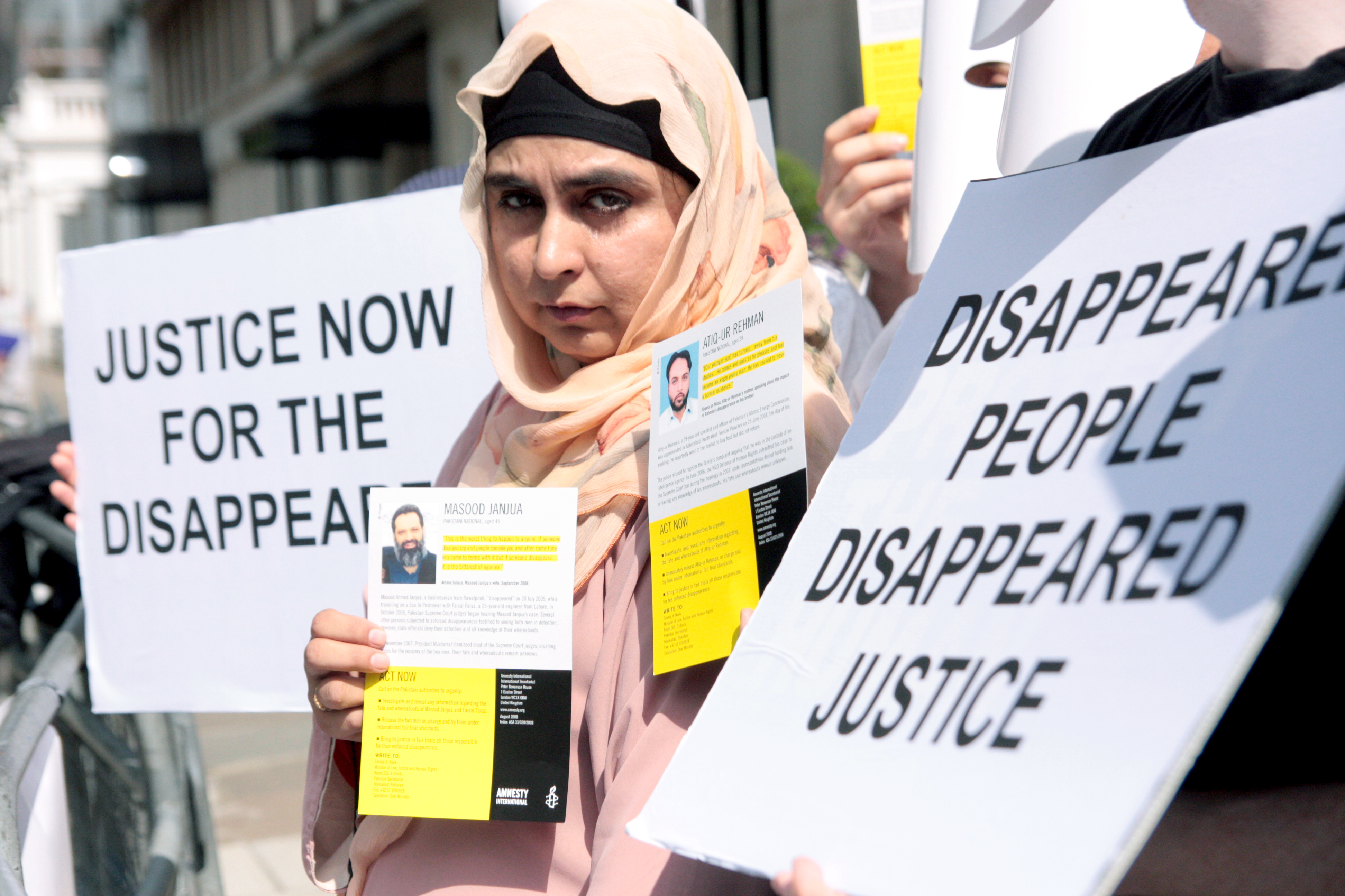 Amina Masood at AI demonstration outside Pakistan High Commission