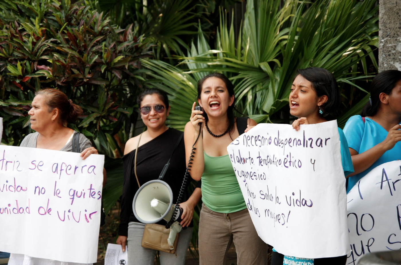 Photograph taken outside the Constitutional Chamber of El Salvador's Supreme Court of Justice as a decision was being made about a pregnant woman, Beatriz and her appeal for access to a therapeutic abortion (2013).