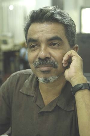 Prageeth Eknaligoda is a journalist who dissapeared in January 2010 just before the Sri Lanka presidential election. He was known to be a govt critic, and was also involved in the election campaign of the opposition candidate.